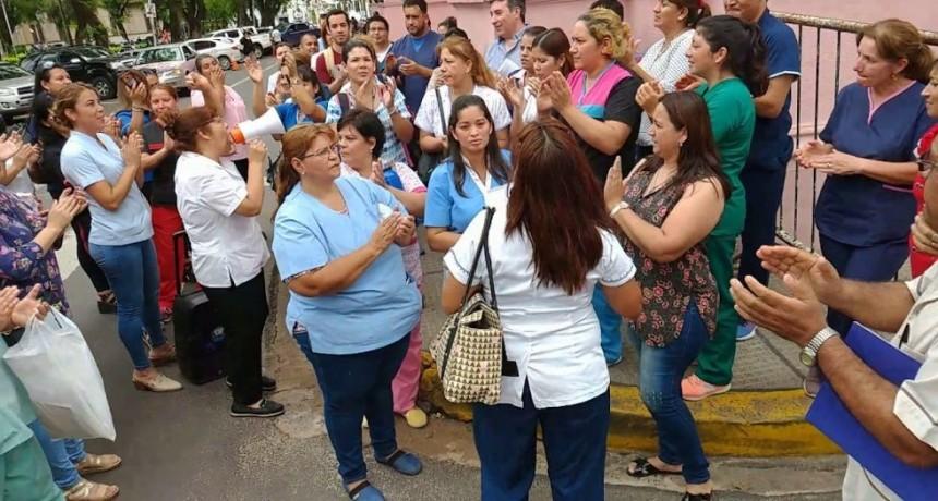 Nueva marcha de enfermeros por mejoras en los salarios