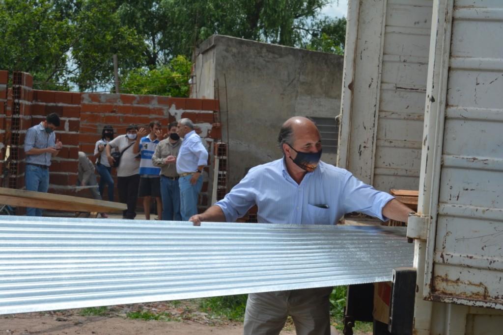Nación asiste en Mercedes a las familias afectadas por la tormenta