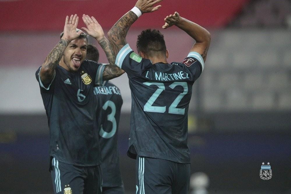 Argentina derrotó a Perú con pura eficacia
