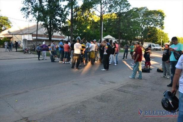 Con seguridad garantizada, la protesta sigue a la espera de un aval de Colombi