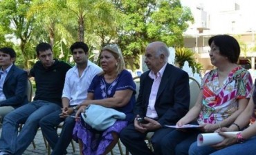 """Para Carrió, Unen debe ser una alianza """"amplia como la de Corrientes"""""""