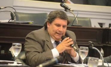Balearon la casa del senador peronista Rubén Bassi y lo amenazan telefónicamente