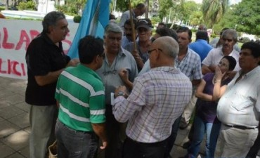 Policías retirados refuerzan su reclamo de mejora salarial
