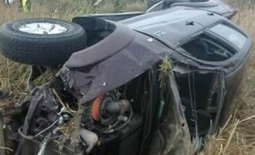 Murió el conductor de una camioneta que volcó junto a su familia en La Cruz