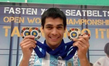 El taekwondista Leonardo Cerullo fue elegido Regatas de Oro 2015