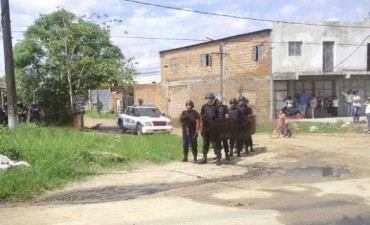 Familiares de un hombre asesinado destrozaron la casa del menor homicida