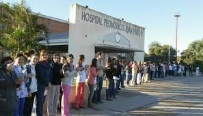 Enfermeros del Hospital Pediátrico reclaman blanqueo y aumentos