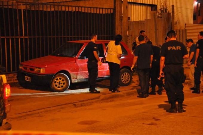 """Dos muertos en una """"balacera"""" por avenida Cazadores Correntinos"""
