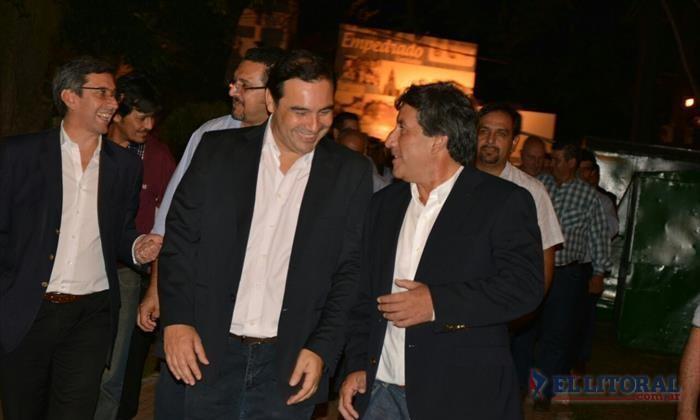 Valdés inauguró pavimento en Empedrado prometió más obras