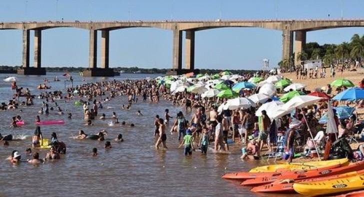 Vecinos se volcaron a las playas para disfrutar del feriado de Navidad.
