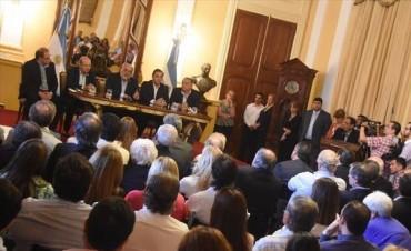Colombi realizó un balance de gestión y firmó convenio por $2.500 millones