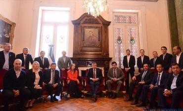 Valdés y 12 de sus pares respaldaron la reforma previsional propuesta por el Gobierno Nacional