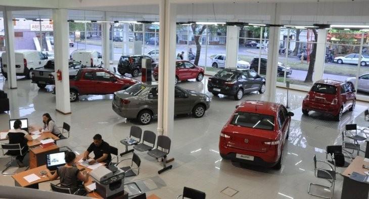 La venta de autos 0 km sufrió la mayor baja desde 2002: cayó casi 46% en noviembre