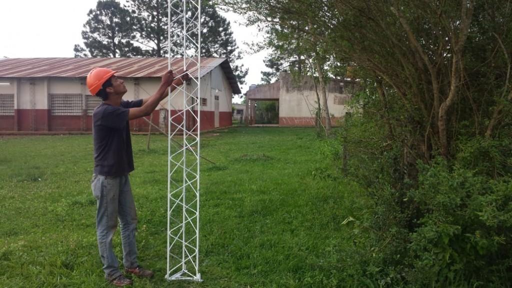 Intensifican conectividad en colegios con el plazo trazado por Valdés