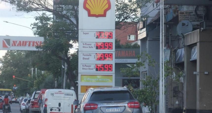 Estacioneros aguardan una señal para subir la nafta y la demanda sigue estable
