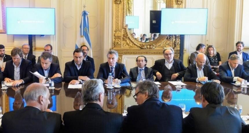 Junto con Macri, Valdés estará en mesa forestal y con Frigerio inaugurarán obras