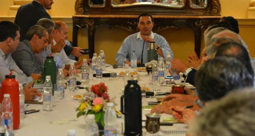 Valdés reunió a todo el gabinete para celebrar la aprobación de la Ley de Leyes