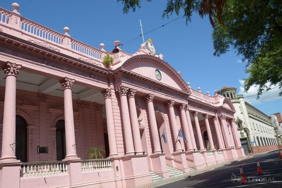 Valdés analiza los candidatos propuestos por socios para vacantes del gabinete