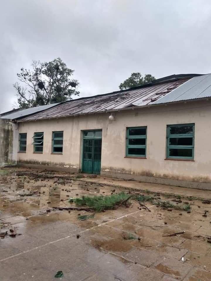 Temporal dejó como saldo invernáculos, tendidos, viviendas y colegios dañados