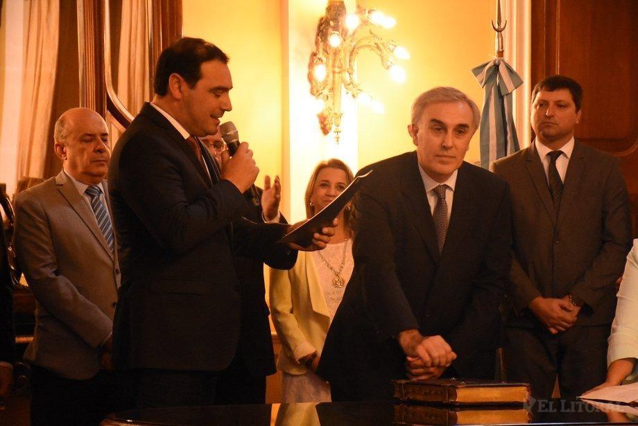 Valdés puso en funciones al nuevo ministro de Producción, quien apura reunión con Nación