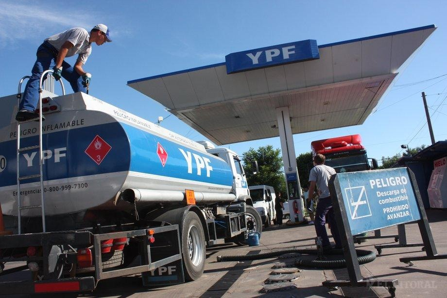 Combustibles: se espera un incremento de precios del 8% a partir del 1 de enero
