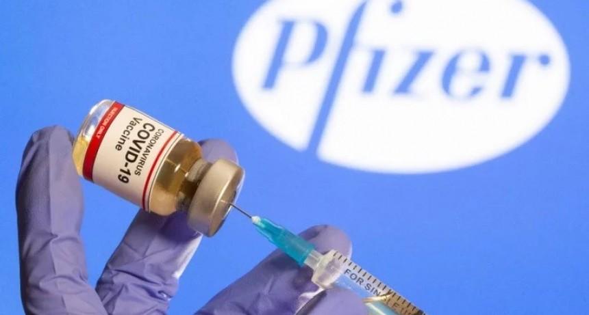 Por primera vez aprobaron el uso de una vacuna contra el coronavirus