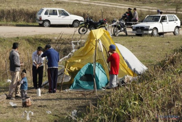 Ocupas: por la falta de soluciones y la lluvia hay menos familias