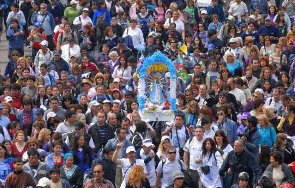 Comenzó una nueva peregrinación juvenil a Luján