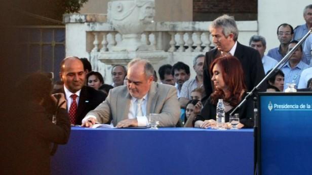 Colombi firmó convenio con Nación para ampliar cobertura de Salud