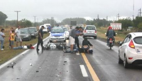 Liebig: Mueren una mujer y un bebé de dos años en un accidente de moto