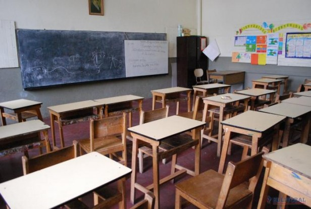 El paro docente tuvo alto acatamiento y la Provincia acusó un trasfondo político