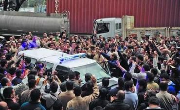 Inédita protesta en Prefectura por un recorte en los salarios