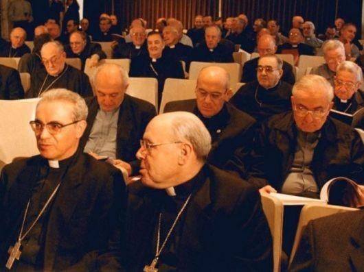 Carta de Obispos argentinos rechaza connivencia de la Iglesia en la Dictadura