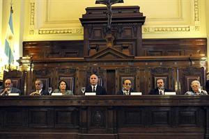 La Corte rechazó el per saltum y confirmó la cautelar