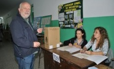 Señalan límites constitucionales para la re-reelección de intendentes
