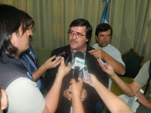 Vaz Torres garantizó una respuesta salarial que incluirá a todos los estatales