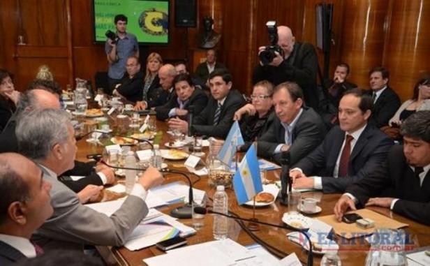 Mañana se concretará el encuentro entre De Vido, Camau y jefes comunales