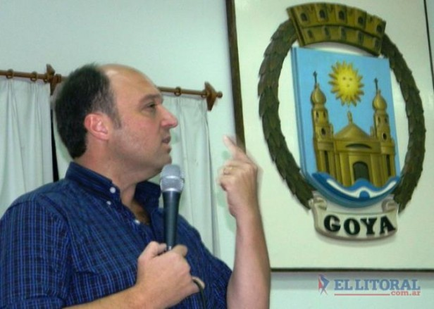 En una charla en el Concejo goyano, Rubín argumentó por qué no regiría la re re