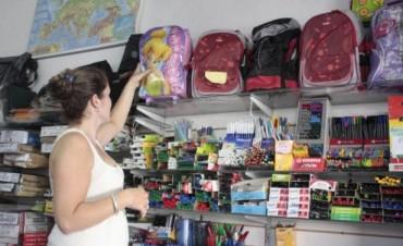 Para esquivar los aumentos, los padres adelantan la compra de útiles escolares