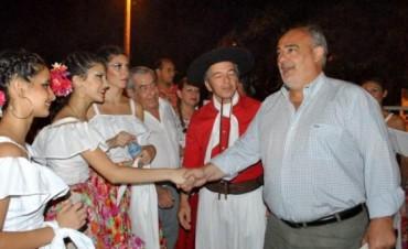 Entre el chamamé y las urnas, Colombi vuelve al ruedo listo para la carrera 2013