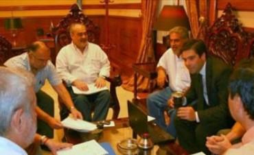 Colombi bajó línea a sus ministros y prepara reuniones con intendentes