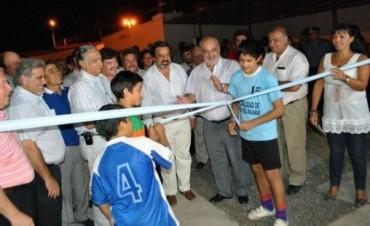 Colombi inauguró el nuevo polideportivo