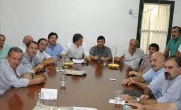 UCR: con internas, desdoblamiento y re-re en agenda, se reúne el Foro de Intendentes