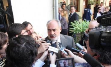 Colombi confirmó que el aumento salarial para los estatales será del 27% en 3 etapas