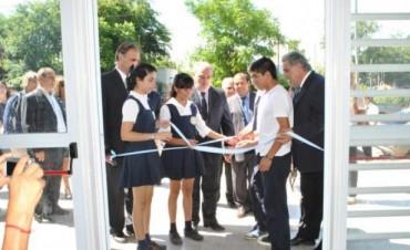 En Mercedes y con nuevas instalaciones escolares, Colombi abrió el ciclo lectivo