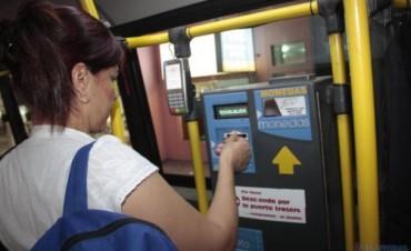 Unos 12 mil estudiantes ya recargaron gratis sus tarjetas de colectivos del 2012