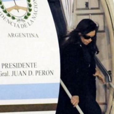 Cristina llegó a Caracas para despedir al presidente de Venezuela