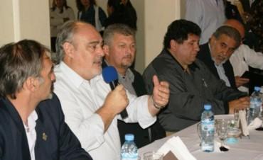 En Mercedes, Colombi entregó beneficios a iglesias evangélicas