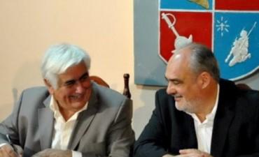 Colombi entregó equipos para el hospital de Itatí y firmó varios convenios de obras