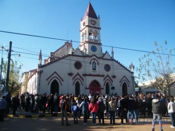 Los feligreses de Alvear se organizan para restaurar su centenaria parroquia